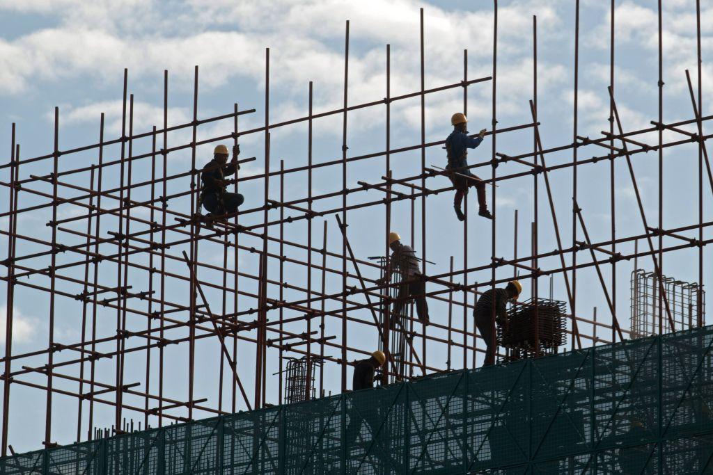 近年來,地方政府主要依靠土地使用權出讓金運轉,尤其這幾年其金額佔到各地政府80%以上的收入,又被稱為「土地財政」。(AFP)