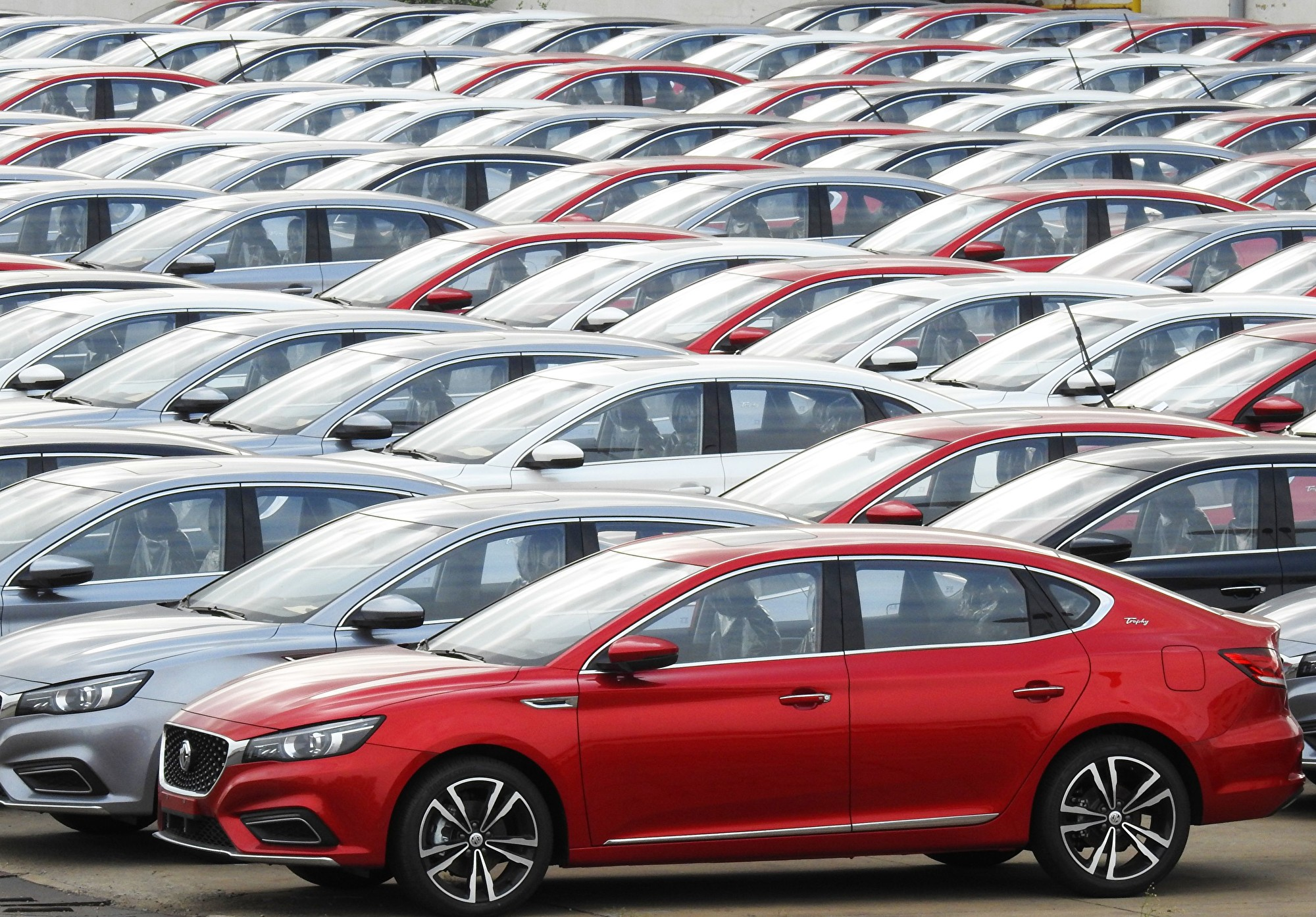 4S店半月未開張 大陸今年汽車銷量或跌8%
