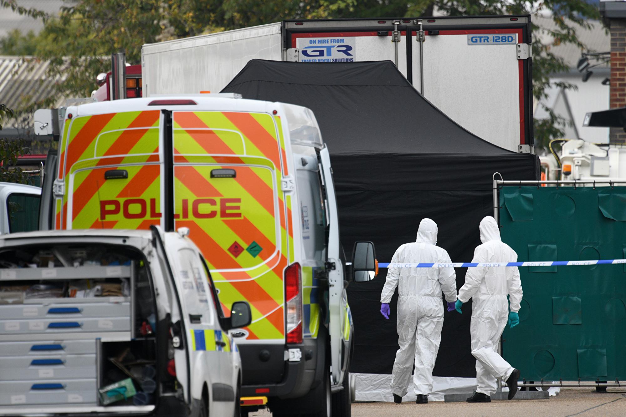 周三,英國埃塞克斯郡一輛貨車中發現39具遺體。周四(10月24日),當局表示死者均為中國人,包括38名成年人和一名少年。(Leon Neal/Getty Images)