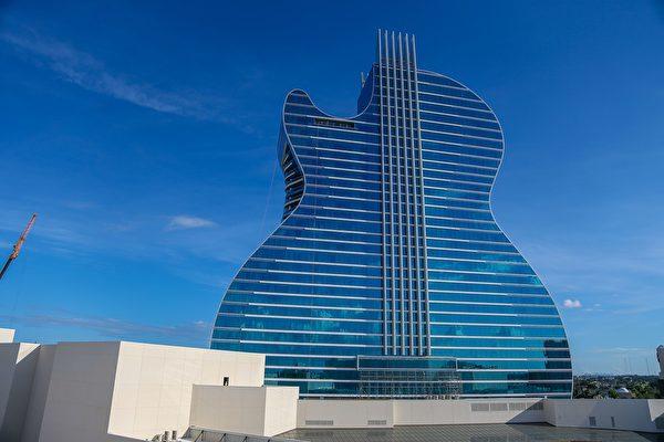造價15億美元 全球首創吉他狀旅館在美開幕