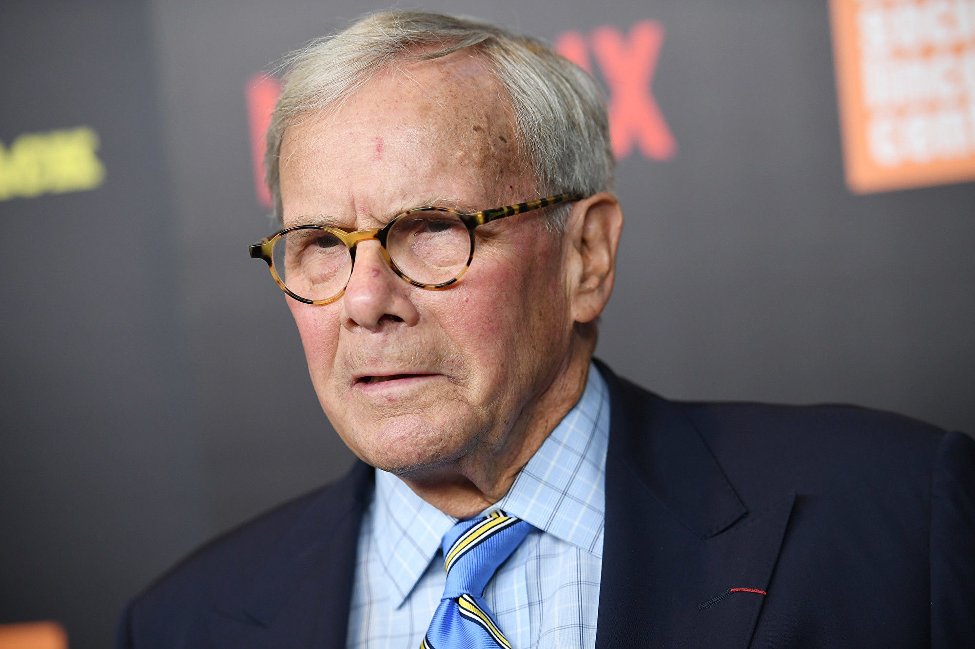 圖為前NBC主持人湯姆·布羅考(Tom Brokaw)。(Dimitrios Kambouris/Getty Images)