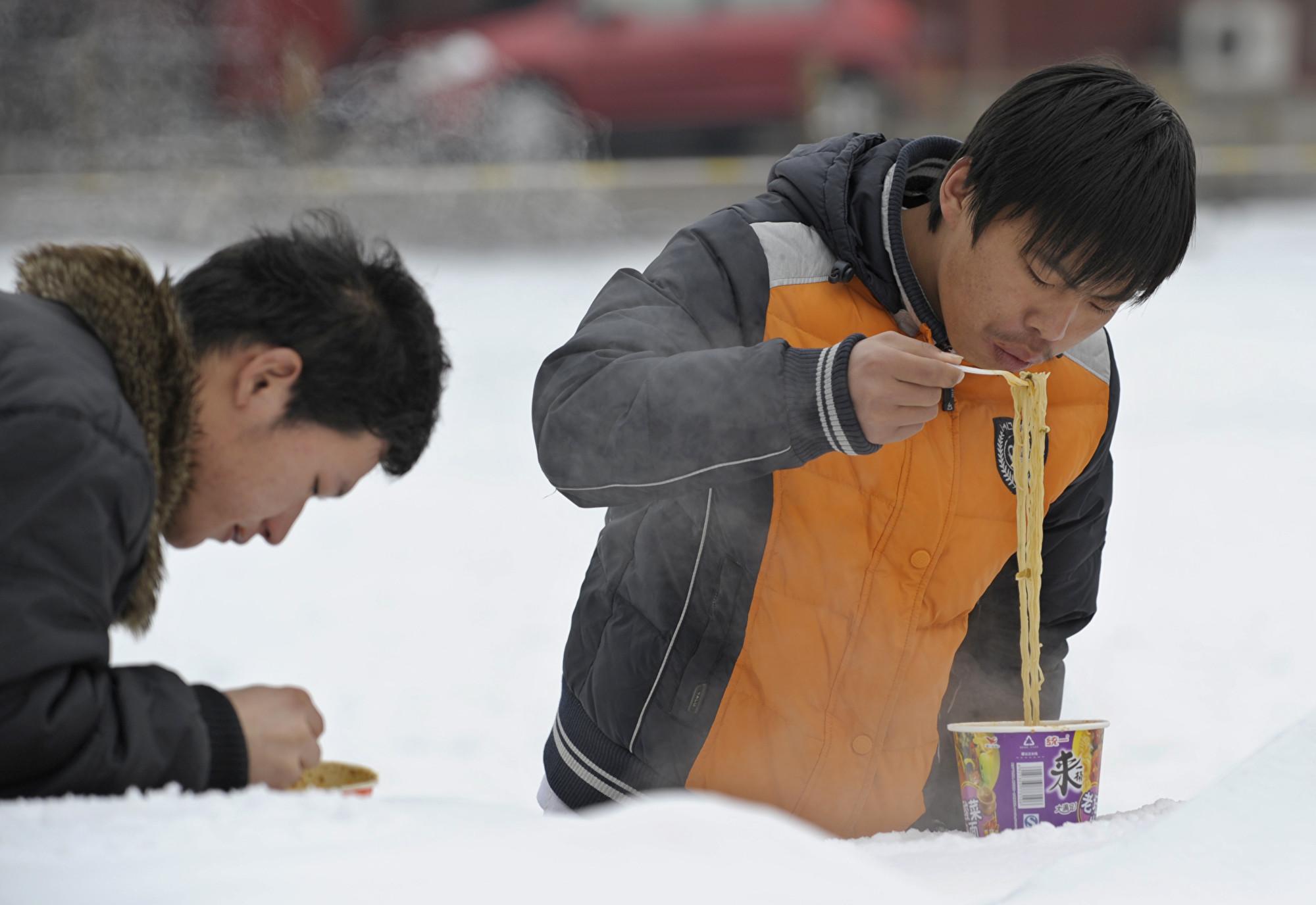大陸泡麵銷售回暖 瑞信:顯示消費降級