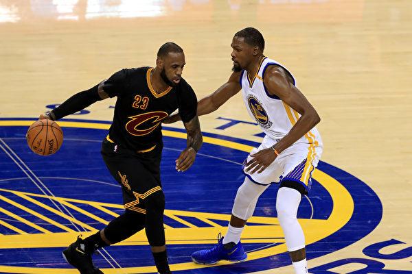 圖為NBA比賽。(Ronald Martinez/Getty Images)