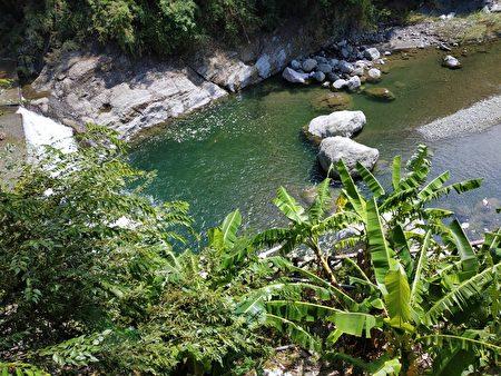 鳖溪上的景观。
