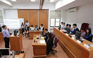 模拟法庭上演误伤案例 体现国民参审精神