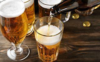 趣闻:美国男子不喝酒却一直醉