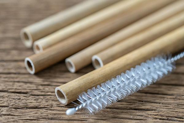 竹吸管材质天然,不容易碎裂,但较容易发霉。(Shutterstock)
