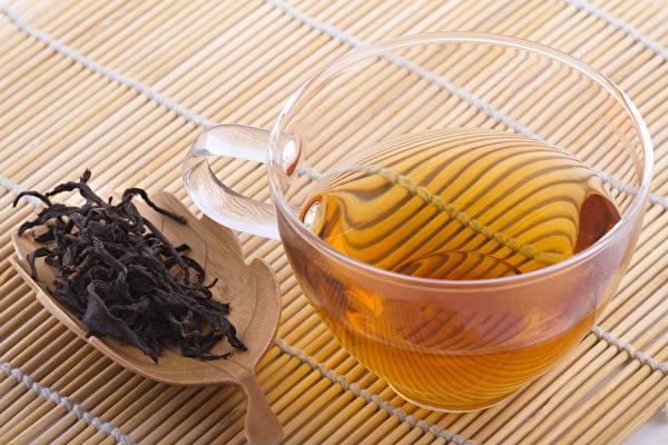 烏龍茶又稱苗條茶,能夠分解脂肪,可減少腹部脂肪的堆積。(Shutterstock)