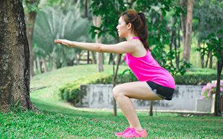 深蹲蹲得太深,會傷膝蓋嗎?膝蓋是否應該超過腳尖?(Shutterstock)