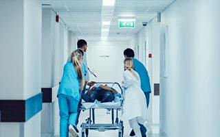美國的急診為何要等那麼久?(Shutterstock)