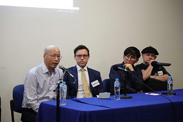 圖左起為墨爾本《大紀元時報》社長肖中華,澳洲公共事務研究所研究總監維爾德(Daniel Wild),澳洲越南社區協會主席阮豐(Phong Nguyen)和《澳洲人報》撰稿人蒙克(Paul Monk)。(Grace Yu/大紀元)
