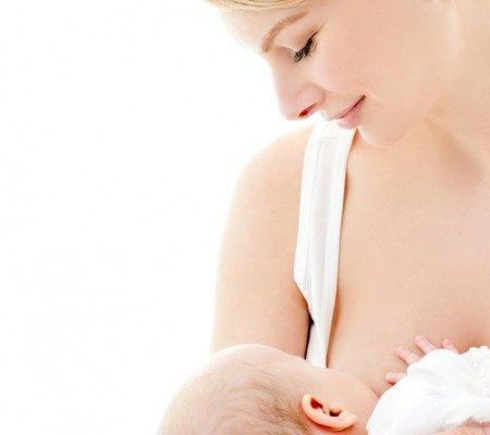当宝宝出牙的时候,牙肉或会肿痛,有些宝宝会于吸吮乳房时咬妈妈的乳头,以纾缓牙肉的不适。