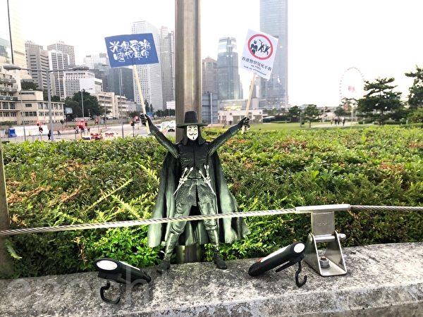 2019年11月9日,香港民眾在金鐘添馬舉行「主佑義士」全港祈禱及追思會。(梁珍/大紀元)