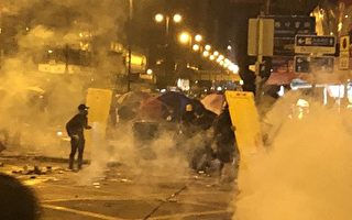 王友群:中共在香港发射超万个催泪弹