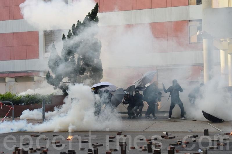 港警圍攻理大抓救護人員 陳日君籲尊重人道