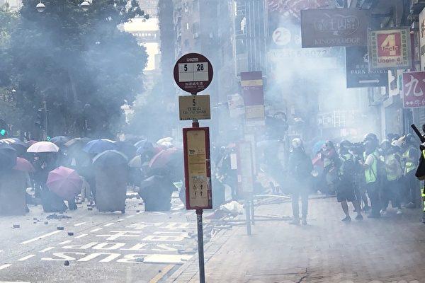 疑因吸入催泪烟 香港65岁活动人士过世
