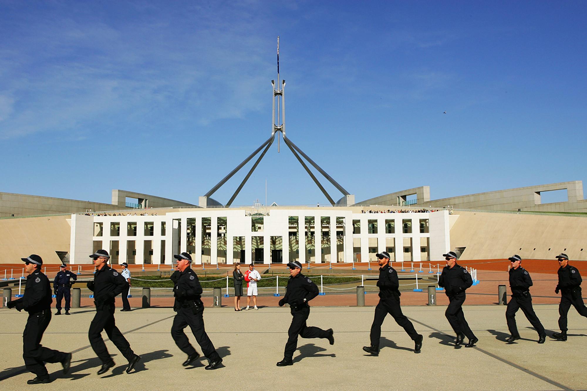 一個多年潛伏的特工落網,澳洲面臨間諜侵擾和境內外國間諜數量,情況遠超冷戰時期。圖為澳洲聯邦國會大廈。(Matt King/Getty Images)