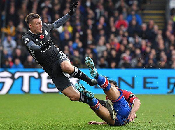 英格兰足球超级联赛第11轮,莱斯特城客场2:0击败水晶宫