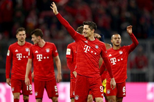 德甲:拜仁4球大胜多特 莱万打破51年纪录