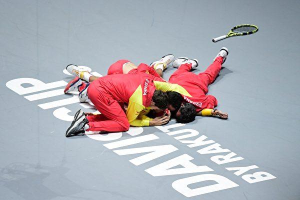 納達爾率西班牙擊敗加拿大 再奪戴維斯盃