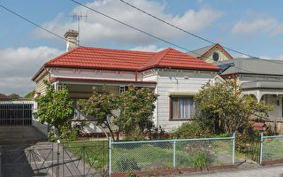 墨尔本房地产:拍卖竞争激烈 大幅推高成交价