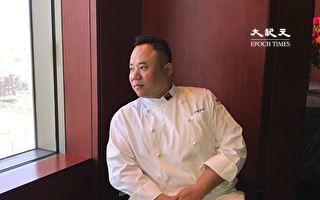 常州富都盛貿酒店副總監示範外脆內嫩的「江南酥小牛」