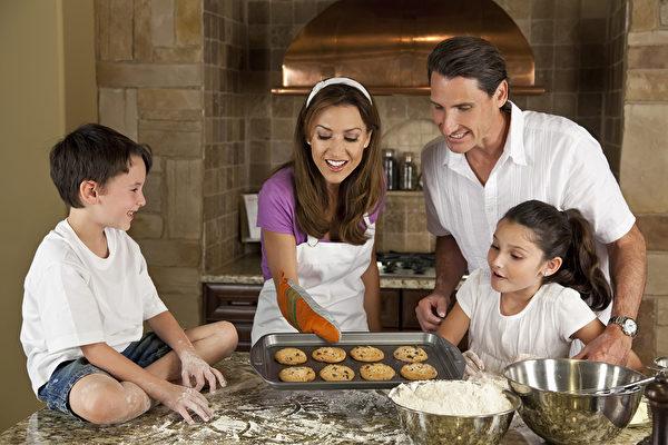 過了感恩節,聖誕節就快到了,在這些家人相聚的日子裡,準備一些甜點,能帶給全家人一個溫暖難忘的假期。(Fotolia)