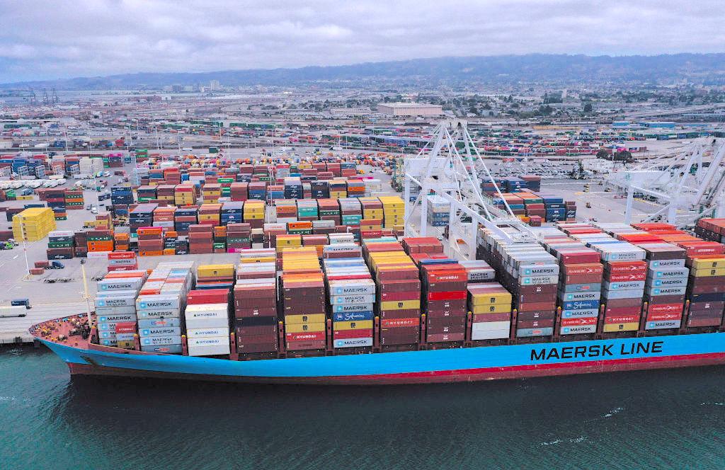 美國官員透露,特朗普政府正在進行「全面加速」的計劃,將美國工業供應鏈從中國撤出。圖為示意圖。(Justin Sullivan/Getty Images)