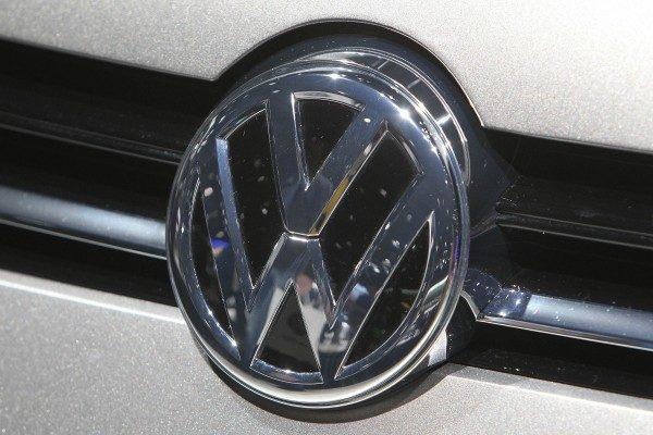 中国车市销量持续下滑 德大众汽车不断裁员