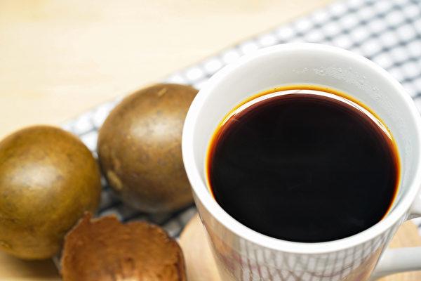 止咳嗽偏方之:罗汉果水。(Shutterstock)