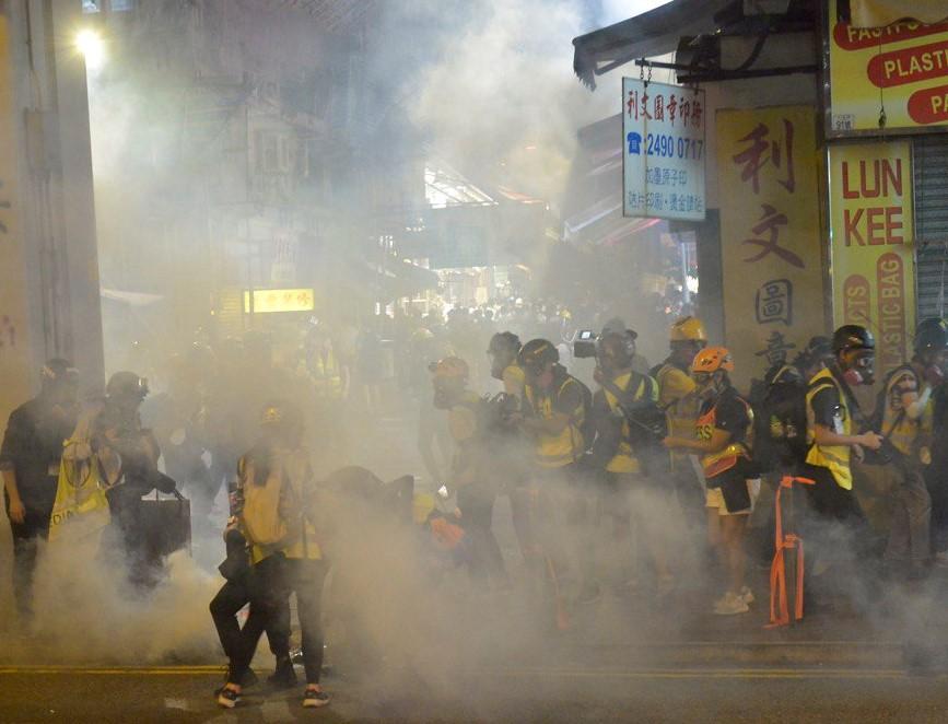 袁斌:建制派的席位是被催淚彈打飛的