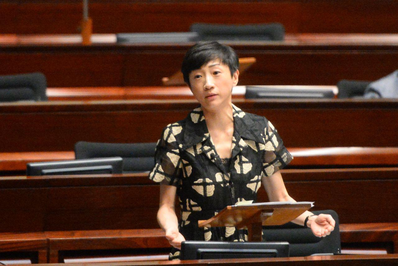 解除民主派議員陳淑莊職務動議被否決