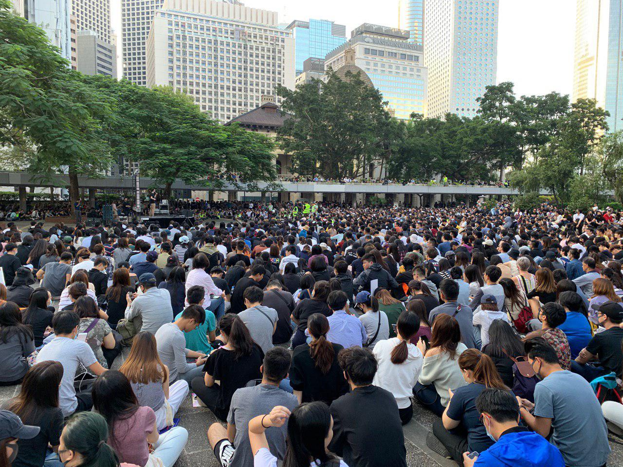 香港商台宣佈取消叱吒樂壇頒獎禮 網民熱議