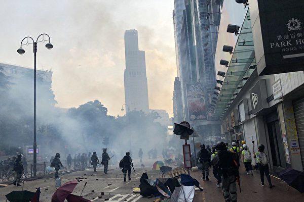 危机中成长的香港青年:为下一代免于恐惧