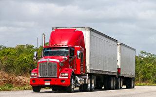 省府或允许双拖货车高峰时段上高速路 安全吗?