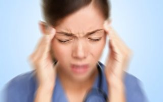 頭痛(Fotolia)