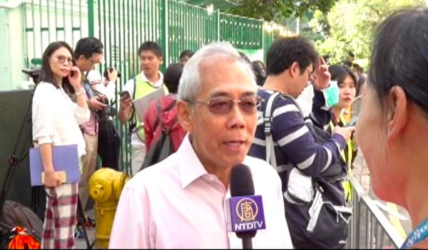 在林鄭投票點,前工商科技局局長王永平接受大紀元採訪。(駱亞 /大紀元)