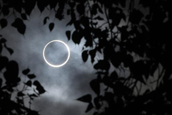 組圖:亞洲各地出現日環食 如同火環