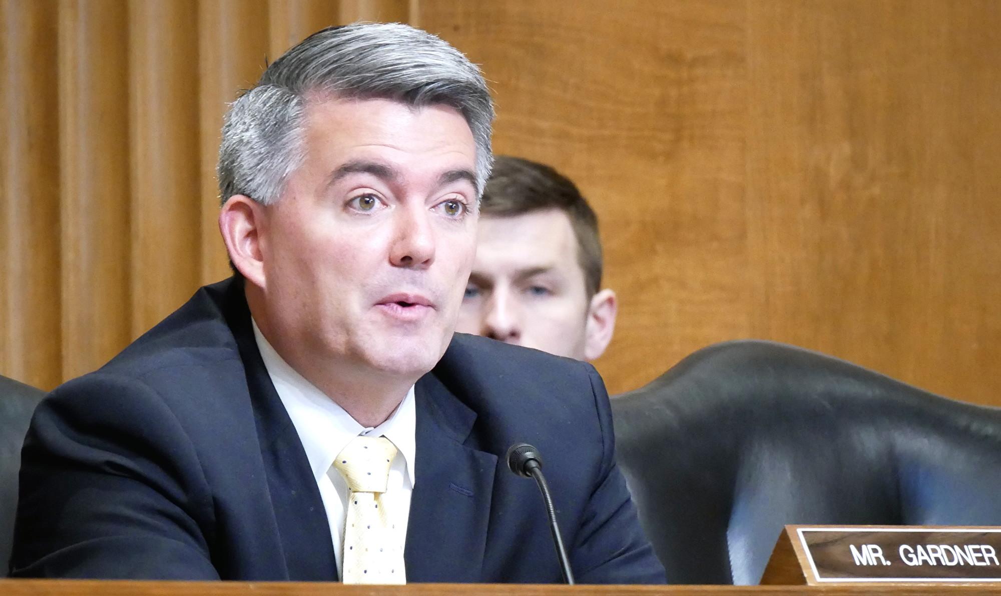 美國參議員、參議院外交委員會亞太小組委員會主席加德納(Cory Gardner)12月4日在參議院的一場聽證會上。(李辰/大紀元)