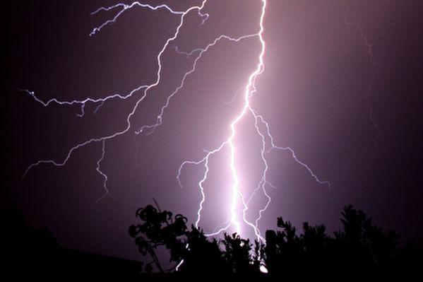 印度雨季遇雷暴 至少二十七人遭雷击身亡