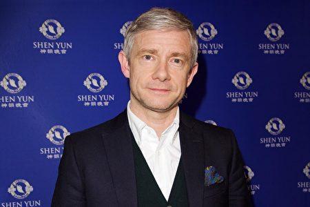 英國著名演員Martin Freeman先生觀看了神韻在英國倫敦的演出。他讚佩神韻舞蹈演員「技藝超凡」。(新唐人電視台)