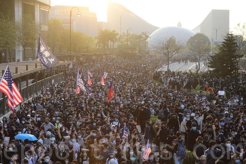 林保華:香港將引領中國風向?
