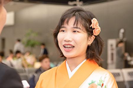 2019年12月22日,神韻粉絲井田千景接受採訪。(牛彬/大紀元)
