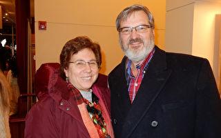 神韻展示「傳統是通天路」 經理夫婦感恩
