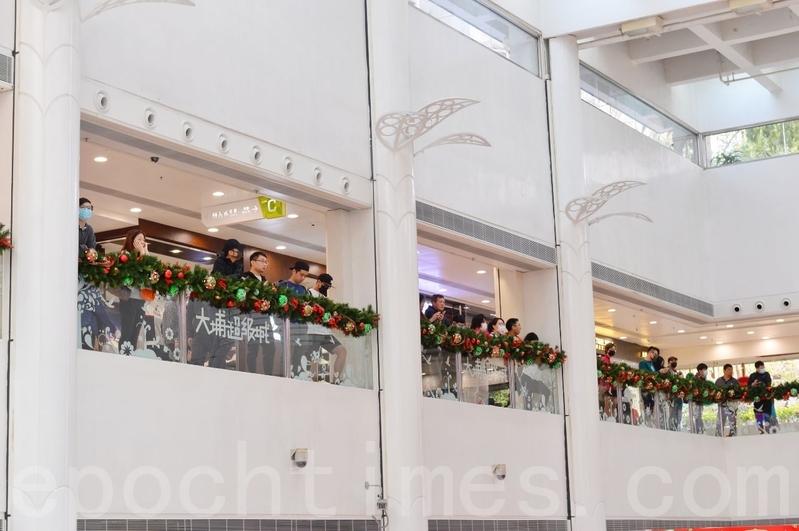 2019年12月26日,香港網民發起「和你SHOP蒙面日」,到大埔超級城等大型商場聚集。(宋碧龍/大紀元)