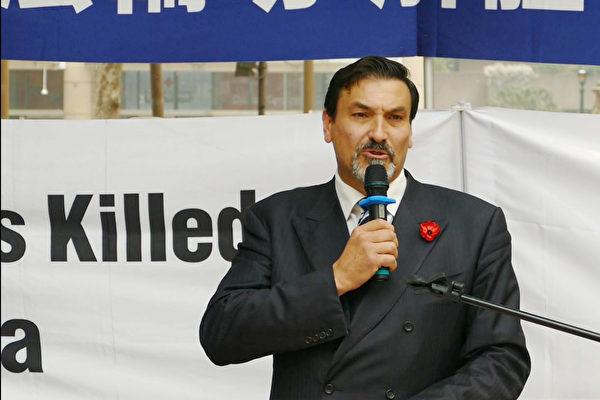 2019年12月10日,國際人權日當天,澳洲新南威爾士州多個團體在悉尼市中心舉行集會,共同譴責中共多年來侵犯人權的行為。圖為Australia One Party的領袖裏卡多·波西(Riccardo Bosi)在集會發言。(安平雅/大紀元)