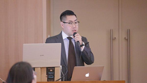 南韓延世大學醫學院研究教授李東炫強調說,醫師致力於打擊移植旅遊與他們忠於病人的職責。(新唐人)
