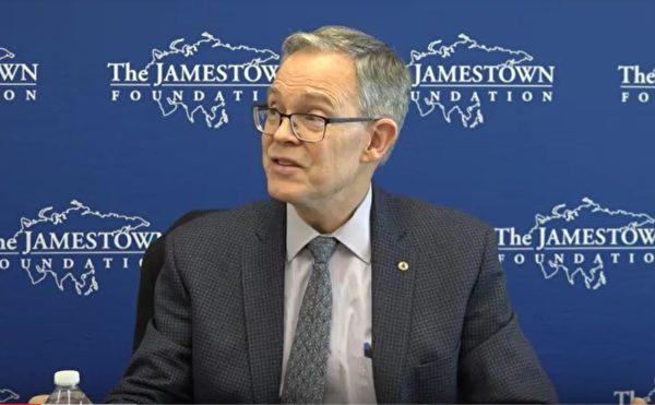 華府智囊詹姆斯敦基金會(Jamestown Foundation)的非駐所研究員馬特•巴西(Matt Brazil)舉辦新書《中共間諜活動:情報入門》介紹會。(新唐人影片截圖)