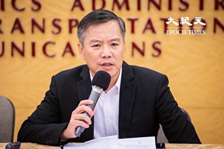 远东航空无预警宣布13日起停止一切营运,远航副总经理黄育祺12日召开记者会说明。