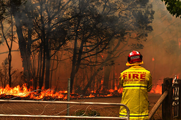 12月19日澳大利亞悉尼附近的山火肆虐。 (AAP Image)